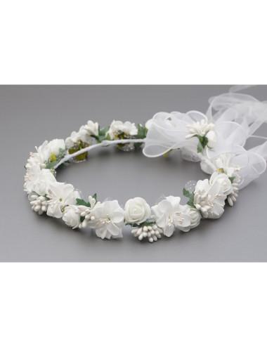 Wianek komunijny z białymi kwiatkami