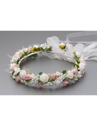 Wianek komunijny z białymi i różowymi kwiatkami