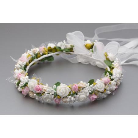 Wianek komunijna z białymi i różowymi kwiatkami