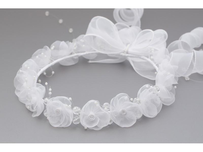 Wianek komunijna z białymi kwiatkami